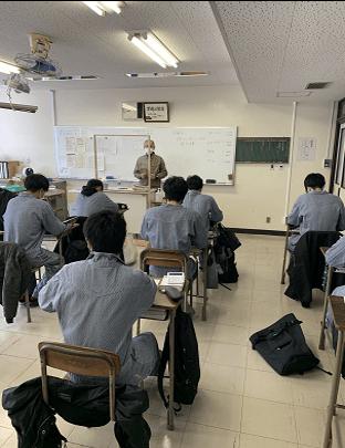 教室での学科の授業の様子